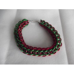 Red and Green Christmas Themed Chainmaille Bracelet